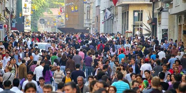türkiye'nin nüfusu 2016 yılında 79 milyon 814 bin 871 kişiye yükseldi.