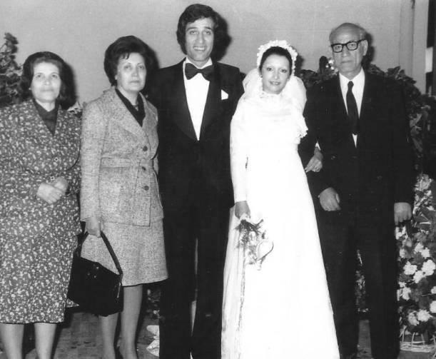 kemal sunal'ın düğününden bir kare anne ve babası ile