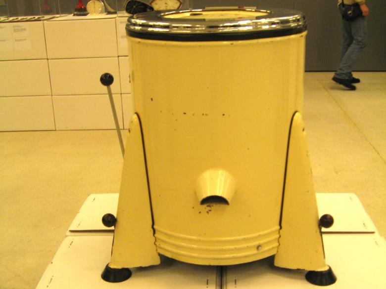 """""""yeaye 3"""" çamaşır makinesi. 1953."""