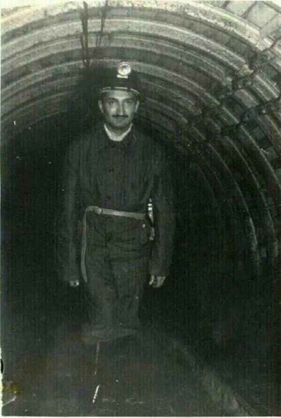 bülent ecevit çöken madende gönüllü olarak kurtarma çalışmasına katılırken
