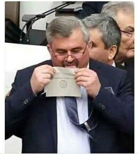 gö...  pardon zarf nasıl yalanır!
