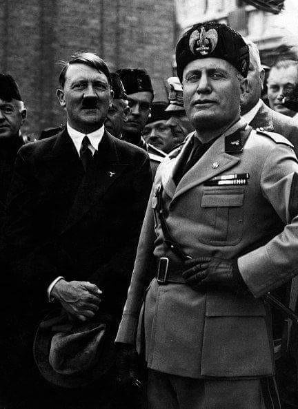 hitler italya ziyareti sırasında mussolini ile birlikte, 1934.