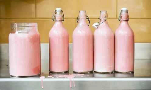 su aygırı'nın sütü pembe renktedir