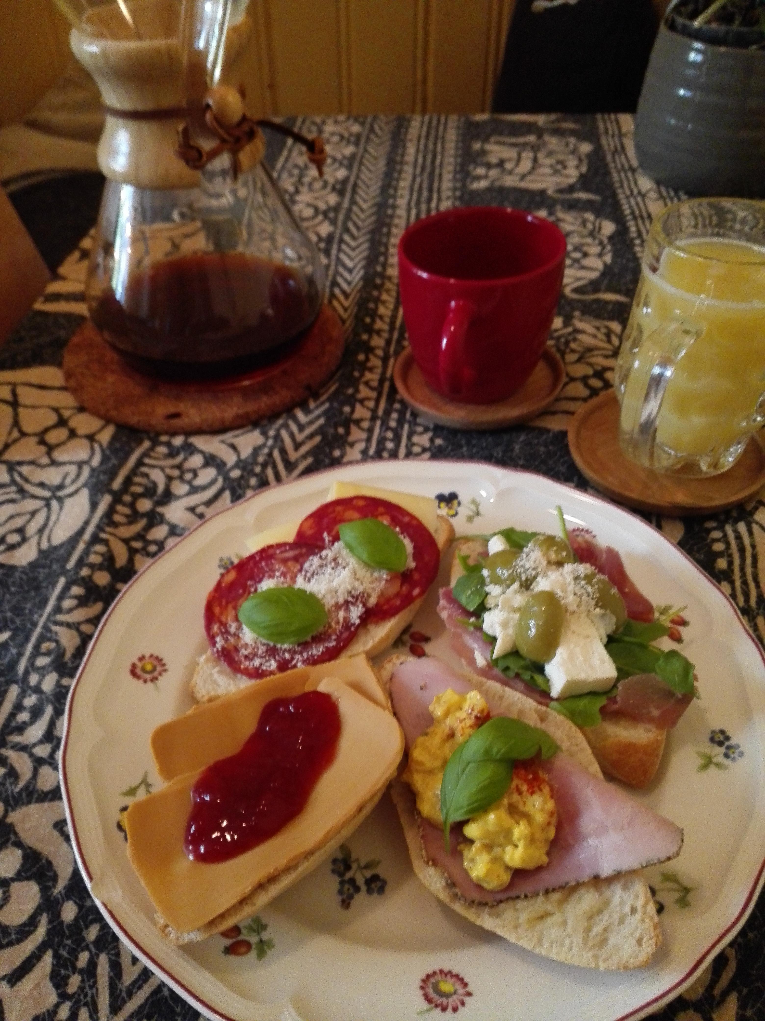 her sabah aynı çeşitlerden sıkılanlara , norveç kahvaltısı
