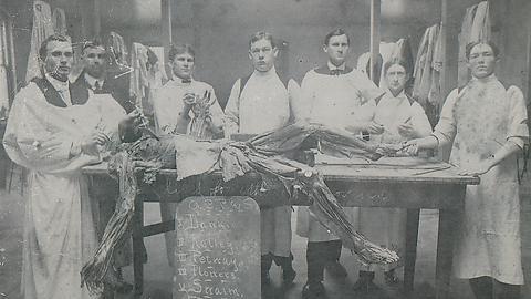 1900'lerde tıp öğrencileri