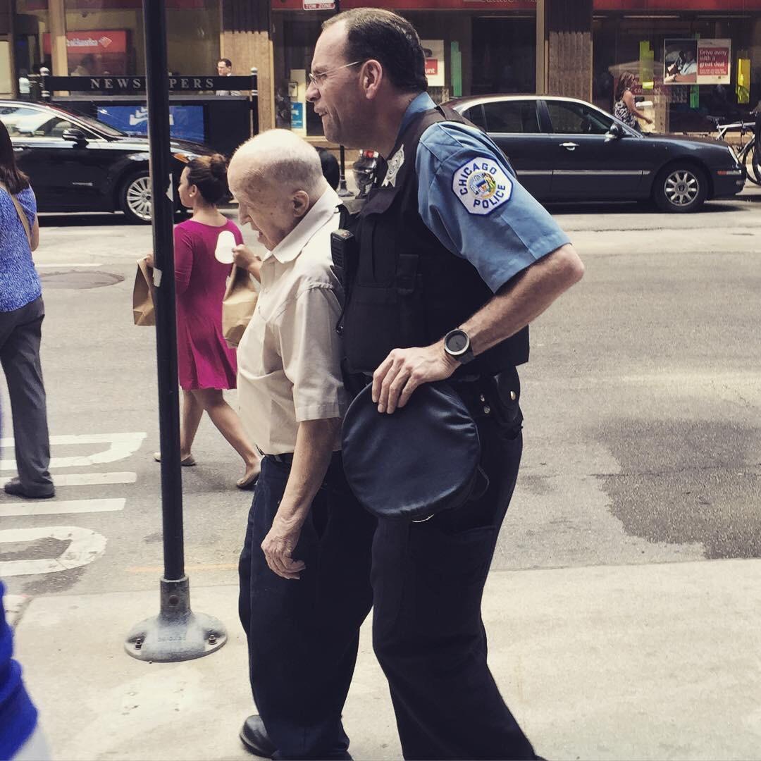 chicago da polislerin vatandaşa karşı tutumu