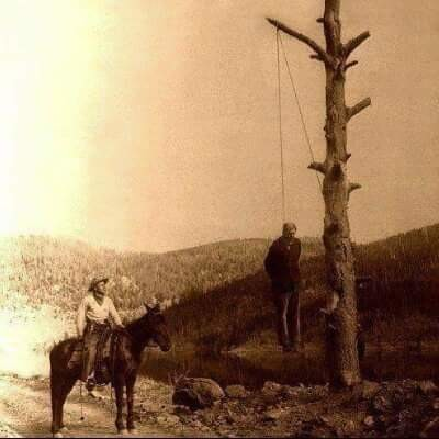 """""""vahşi batı""""da infaz.. herkes yargıç.. yeter ki bir ağaç olsun..."""