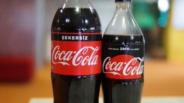 coca cola, coca cola zero'nun yükselişi ana markayı tehdit eder hale geldiği için zero markasını yavaş yavaş kaldırıyor
