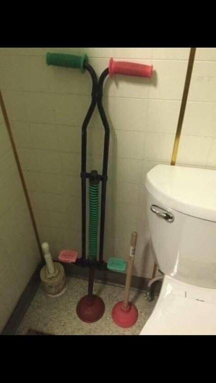 rusya'da sıradan bir tuvalet pompası