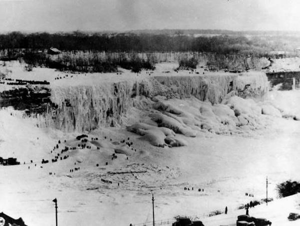 1911: niagara şelalesi'ninm donması