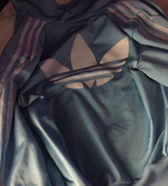 bu ceketi ne renk görüyorsunuz ?