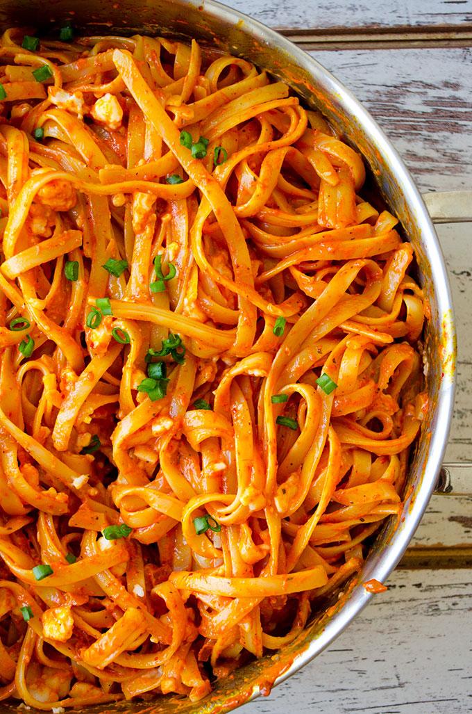 bi italyan klasiği kremalı domates soslu makarna