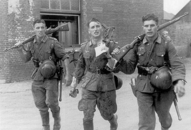 savaştan dönen alman askerleri